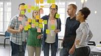Mit der Trendsuche der DGUV sollen neue Trends und Themen in der Arbeitswelt identifiziert werden. Werden Entwicklungen frühzeitig erkannt, kann der Arbeitsschutz aktiv eingreifen und technische, gesellschaftliche und politische Veränderungen mitgestalten. Helfen Sie mit und melden Trends und Entwicklungen, die Ihnen bei Ihrer Arbeit begegnen.