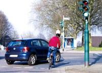 Unfallzahlen 2014: starker Anstieg bei den getöteten Zweiradfahrern. Nach den veröffentlichten Zahlen des Statistischen Bundesamtes (Destatis) sind im vergangenen Jahr 3.377 Menschen im Straßenverkehr ums Leben gekommen. Das sind 38 Todesopfer mehr als im Vorjahr. 389.500 Verkehrsteilnehmer wurden verletzt, ein Anstieg um 4,1 Prozent.