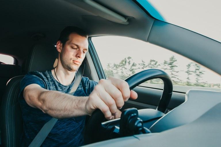 Unfallursache Müdigkeit am Steuer - Männer besonders betroffen