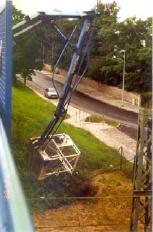 Monteur stürzte neun Meter aus Hubarbeitsbühne