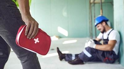 Was passiert, wenn eine versicherte Person einen Arbeitsunfall erleidet? Was muss er oder sie tun? Wer hilft und wie geht es nach dem Unfall weiter?